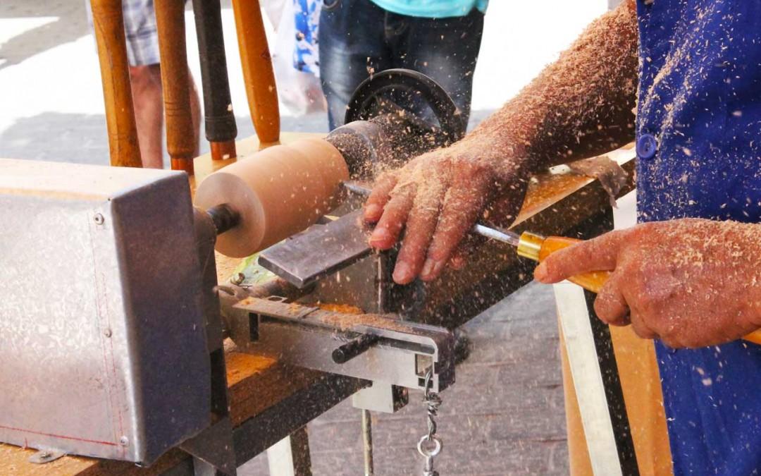 En julio, trabajamos la madera